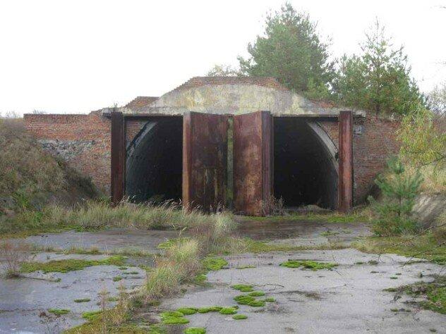 Бункер в центре боевой позиции ЗРК Волхов