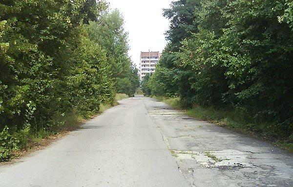Например, где-то на этой улице...